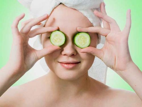 Bí kíp giúp bạn trị vết thâm quầng đen dưới mắt bằng tinh chất vô cùng rẻ tiền