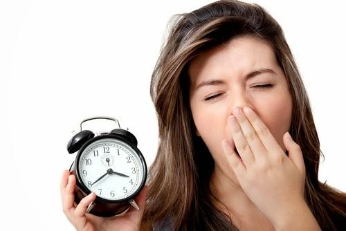 Cách làm nhanh trị thâm quầng mắt chỉ sau 10 ngày bằng tinh chất rẻ tiền