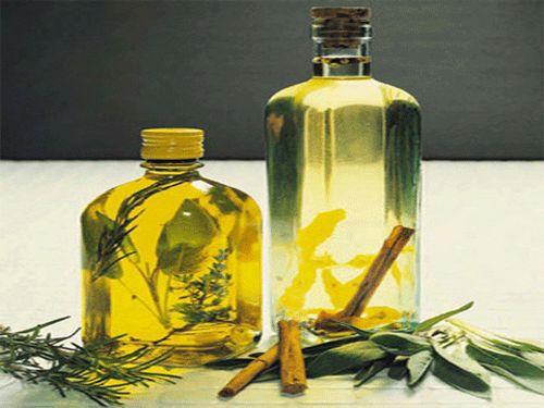 Làm rậm lông mày bằng dầu olive