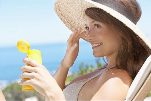 Chống nắng hiệu quả bằng kem chống nắng