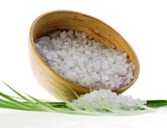 Cách trị vết thâm mụn đơn giản nhờ nước muối