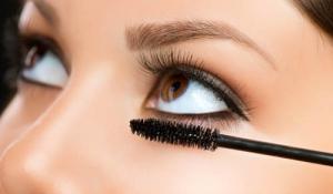 9 cách giúp bạn tìm loại mascara phù hợp