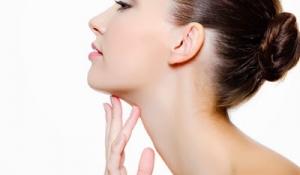 Cách chữa trị nám da mặt đơn giản với cà tím