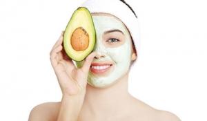 Điều trị nám da mặt hiệu quả với quả bơ