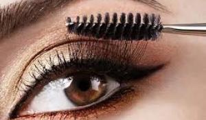 Phương pháp chọn mascara giúp bạn có được lông mi dài và cong vút