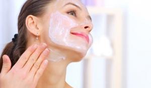 Cách làm trắng da tại vùng cổ bằng mỹ phẩm thiên nhiên hiệu quả nhất