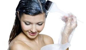 Ngăn ngừa tóc bạc sớm bằng thảo dược thiên nhiên