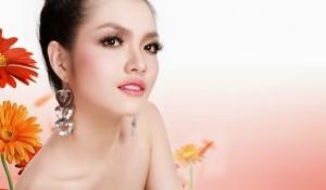 Những thói quen gây hại cho lông mi của bạn