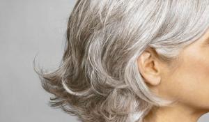 Điều trị các vấn đề về tóc bạc cho người chưa đến tuổi