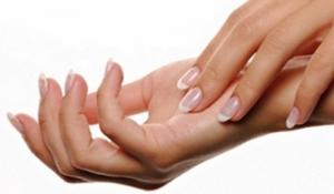 Nám da tay bắt nguồn từ nguyên nhân nào ?